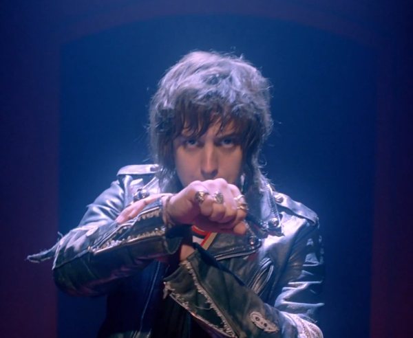 [music video]: Daft Punk - Instant Crush (Feat. Julian Casablancas) - We All Want Someone To ...