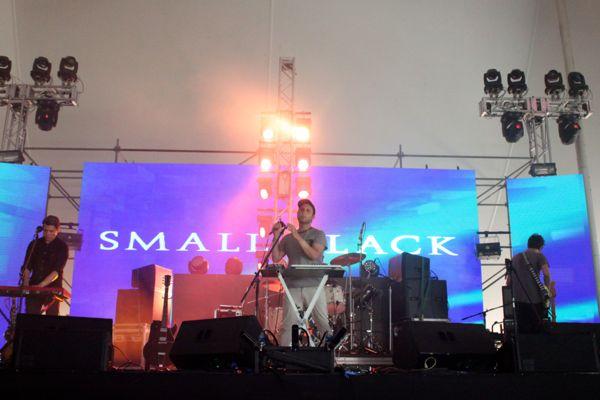 1_Small Black