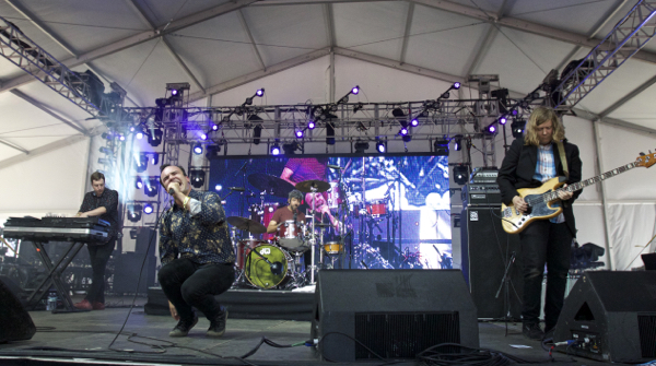 11_Future Islands_Governors Ball 2015