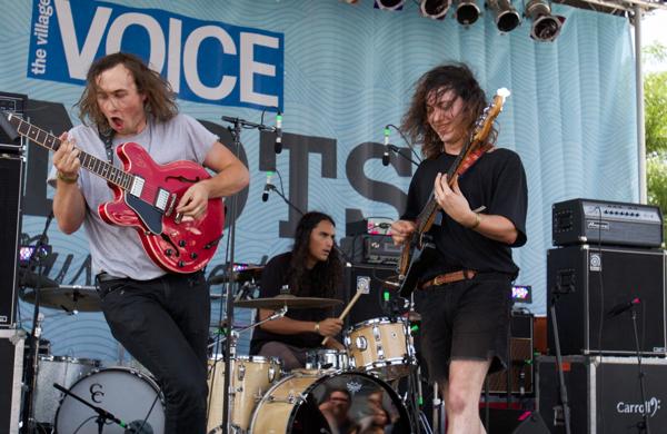 1_Meatbodies_4Knots Music Festival 2015