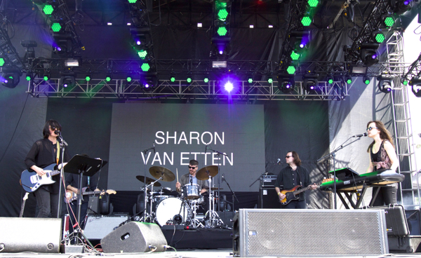 3_Sharon Van Etten_Governors Ball 2015