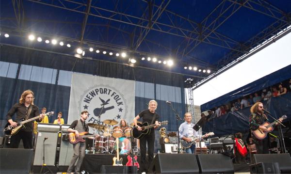 1_Rogers-Waters_Newport-Folk-Festival-2015