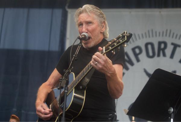 2_Rogers Waters_Newport Folk Festival 2015