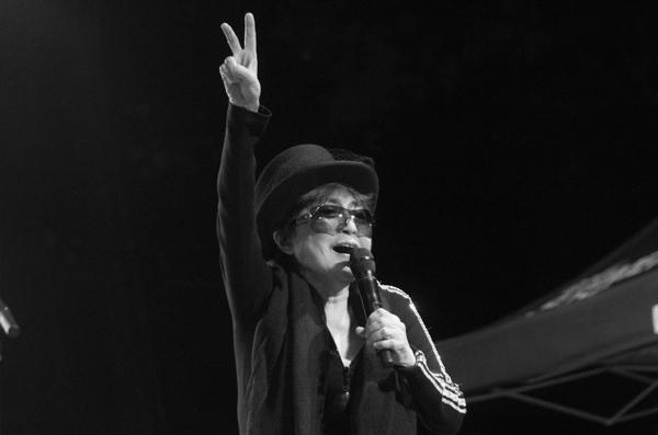 1_Yoko Ono_Modern Sky Festival