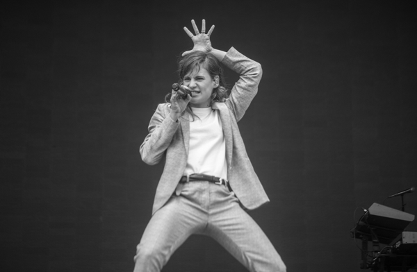 2_Christine and the Queens_Governors Ball 2016
