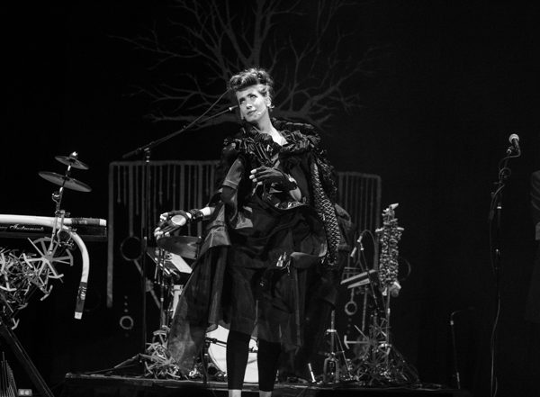 Imogen Heap Speeding Cars: [Photos / Review]: Imogen Heap At Town Hall (May 8th, 2019
